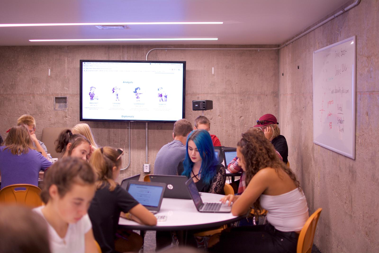 AN-1000X+_ClassicalAcademy-Classroom